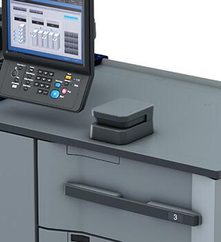 康鈦最新消彩色數位印刷機搭配智能材質感應器IM-101